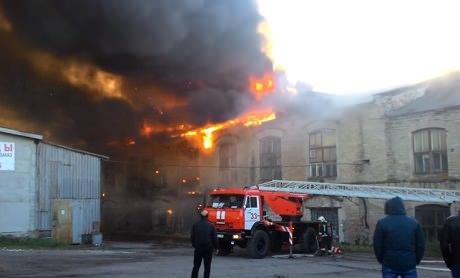Красное Село. Пожар на бумажной фабрике
