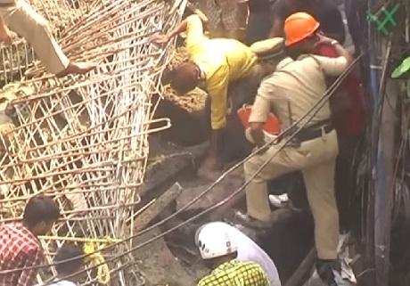 Индия. Число погибших при обрушении эстакады увеличилось