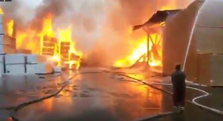 Ленинградская область. Пожар на деревообрабатывающем предприятии