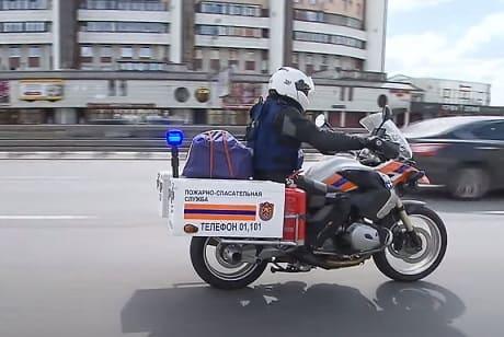 Москва. Пожарные-мотоциклисты заступили на боевое дежурство